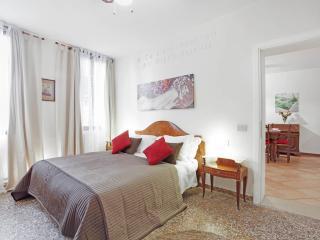 Apartment Lionello in Venice near Rialto and San Marco, located in Strada Nova, Cannaregio - Mestre vacation rentals