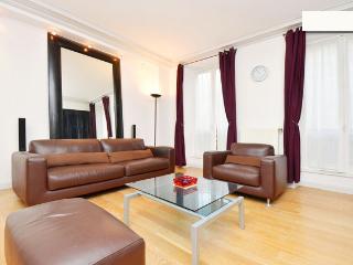 02. PRESTIGIOUS APARTMENT - LUXURIOUS & CENTRAL - Paris vacation rentals