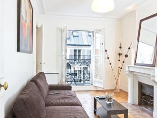 16. STEPS TO NOTRE DAME-RIVER SEINE-HEART OF PARIS - Paris vacation rentals