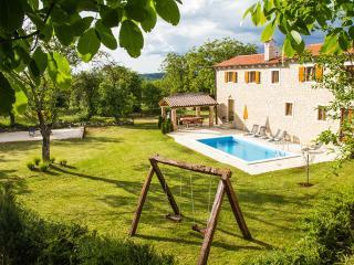 Luxury Villa near Pazin - Pazin vacation rentals