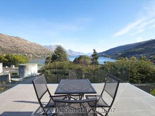 Sumptuous holiday lodge boasting attention to detail and convenient location! - Queenstown vacation rentals