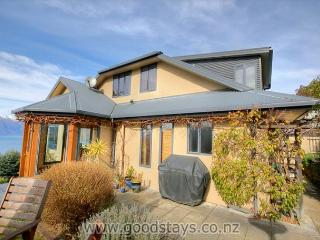 Modern home, panoramic location with views to match, close to downtown. - Queenstown vacation rentals