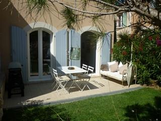 Discover Provence. Mas Neuf  Luxury 2 Bed Villa - Pont Royal vacation rentals