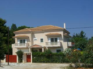 Villa Verde - holiday green by the sea near Athens - Athens vacation rentals