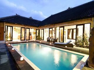 LEGIAN / SEMINYAK (o) 2 or 4 bedroom villas - TARA - Kuta vacation rentals