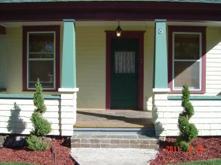 Victorian Jewel Downtown+Garage LOW WEEK/MO RATES - Colorado Springs vacation rentals