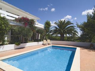 Lovely 3bdr villa next to famous Salema Beach - Salema vacation rentals