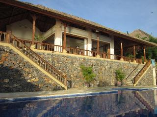Luxery Villa Celagi,spacy,on seashore,large pool! - Amed vacation rentals