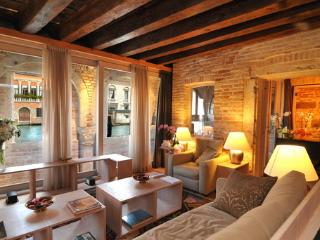 Charming 1 bedroom Apartment in Venice - Venice vacation rentals