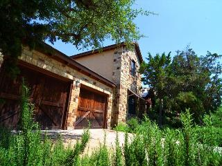 Beautiful Casita on Lake Travis Located in the Hollows - Full of Family Fun! - Lago Vista vacation rentals