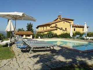 Nice House in Castelfranco di Sopra with Deck, sleeps 4 - Castelfranco di Sopra vacation rentals