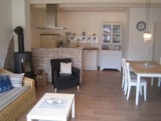 LLAG Luxury Vacation Apartment in Tettnang - 753 sqft, modern, country, high-quality (# 3610) - Tettnang vacation rentals