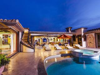 *SECURE*-Double-gated community, Infinity Pool, Fundadores Beach Club Access - San Jose Del Cabo vacation rentals