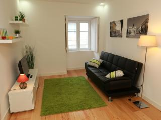 Lisbon Gloria Apartment - in the heart of the city - Lisbon vacation rentals