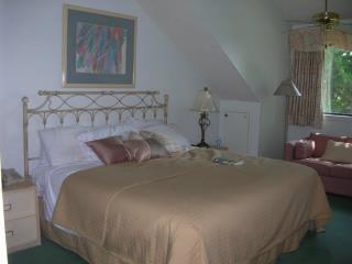 Master Bedroom - 2 BR, 2 Bath, Kingston Plantation, Myrtle Beach SC - Myrtle Beach - rentals