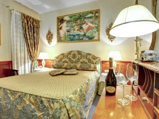 CR112VR - REGINA ELENA Charming Apartment - Torcello vacation rentals