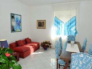 Cozy apt for 4/6 pax near the sea of ROME - Rome vacation rentals