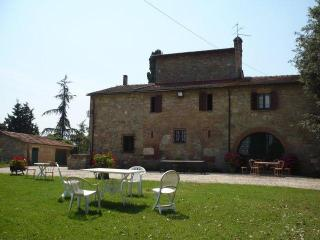 3 bedroom House with Internet Access in Chiusi - Chiusi vacation rentals