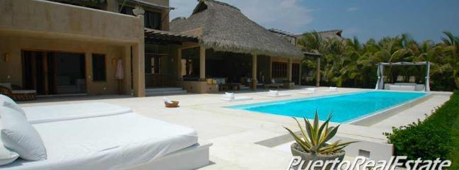 Casa Delirio-6BR Luxury, Gourmet, Oceanfront Villa - Image 1 - Puerto Escondido - rentals