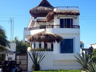 Casa Paraiso~Custom Isla Mujeres Oceanfront Home~Private Pool~ - Isla Mujeres vacation rentals
