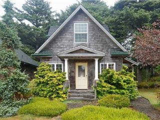 Bunbury is a classic Cannon Beach cottage in Tolovana are with 2 bedrooms 2 bath Sleeps 6 - 61672 - Oregon Coast vacation rentals