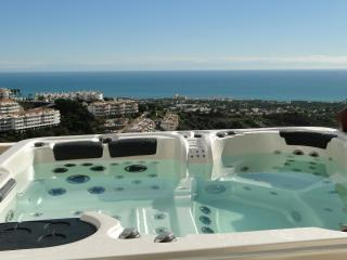 Nueva Calahonda 4,Penthouse with private Jacuzzi - Sitio de Calahonda vacation rentals
