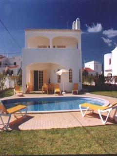 3 bdr villa w/ large pool at 1km from Coelha beach - Albufeira vacation rentals