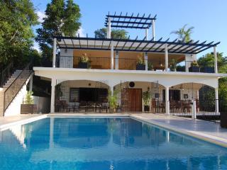 PARADISE  PPA - 103351 - NEW 6 BED VILLA | EXOTIC DESIGNS | POOL | CLOSE TO BEACH - RUNAWAY BAY - Montego Bay vacation rentals
