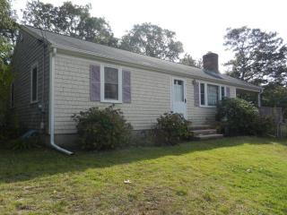 Harwich Cottage in a Nice Quiet Setting (1154) - East Harwich vacation rentals