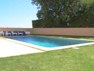 Comfortable 4bdr villa next famous Salgados resort - Albufeira vacation rentals