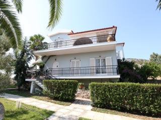 Villa Orestes in Exostis the balcony of Nafplion - Nauplion vacation rentals