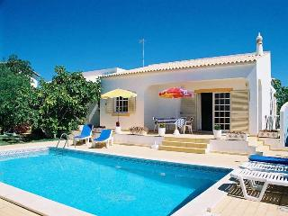 Lovely villa in Cerro de Aguia,overlooking marina - Albufeira vacation rentals