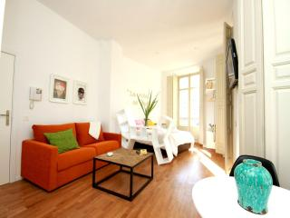 Colourful and new Studio in Malaga's city centre - Malaga vacation rentals