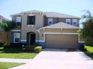 Beautiful Spacious Villa, minutes to Disney - Kissimmee vacation rentals