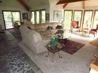 Sunriver Home 3500 sq ft 4 suites 4th Night Free! - Sunriver vacation rentals