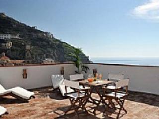 Casa Alloro B - Campania vacation rentals