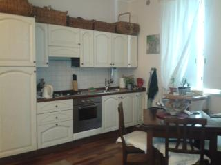 Monti neighborhood cozy apartment  3 blocks by the Colisseum (2-7pax) - Rome vacation rentals