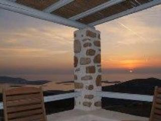 Beautiful villa & fantastic view of Greek islands - Parikia vacation rentals