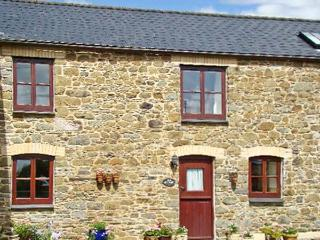 THE OLD GRANARY, pet-friendly, conservatory, countryside setting in Polyphant, Launceston Ref 17370 - Launceston vacation rentals