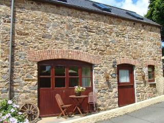 THE WAGON HOUSE, pet-friendly, patio, shared garden, in Polyphant, Launceston Ref 18015 - Egloskerry vacation rentals