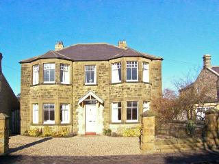 GREYCROFT, spacious family house, close pub, near coast, in Christon Bank Ref 21807 - Northumberland vacation rentals