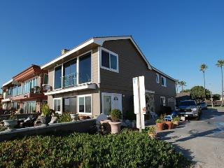 Spectacular Oceanfront Upper Unit, Shared Patio, Incredible Views! (68274) - Newport Beach vacation rentals