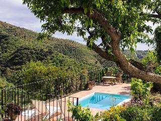 Perfect House with Deck and Internet Access - Malaga vacation rentals
