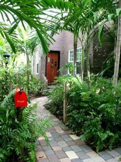 Nice 2 bedroom Vacation Rental in West Palm Beach - West Palm Beach vacation rentals