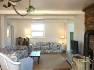 Lovely Peaceful Getaway–Stroll to Beach + Village! - Woods Hole vacation rentals