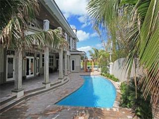Amazing 5 bedroom waterfront residence! - Nassau vacation rentals