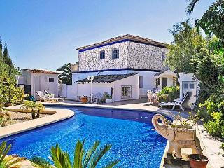 3 bedroom Villa in Calpe, Costa Blanca, Spain : ref 2067865 - Calpe vacation rentals