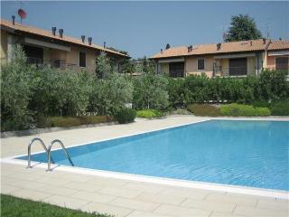 4 bedroom Apartment in Bardolino, Lake Garda, Italy : ref 2067494 - Bardolino vacation rentals