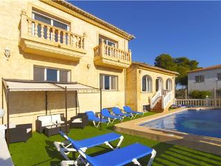 Bright 8 bedroom Calpe Villa with Television - Calpe vacation rentals