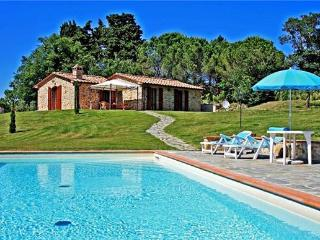 2 bedroom Villa in Radicondoli, Tuscany, Italy : ref 2064158 - Montalcinello vacation rentals